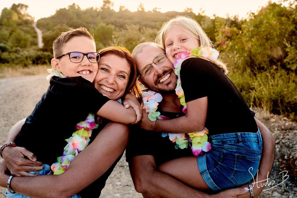 séance photo famille fun à Beaucaire