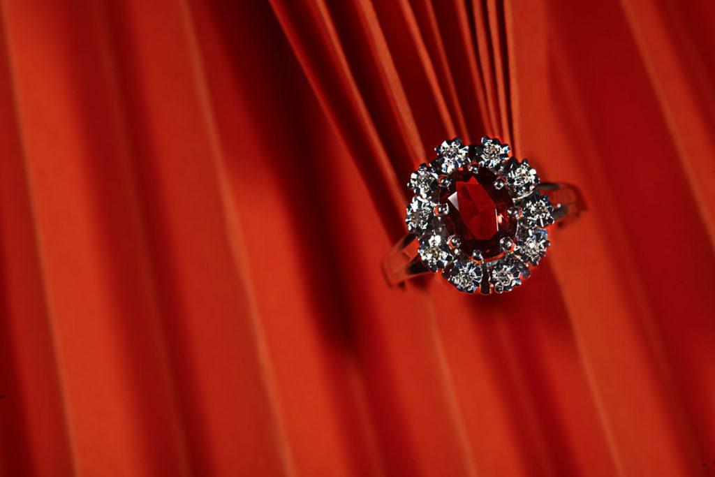 Photographe créatif de bijoux et orfèvrerie